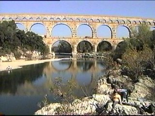 http://www.public.iastate.edu/~cfford/roman%20aquaduct.jpg